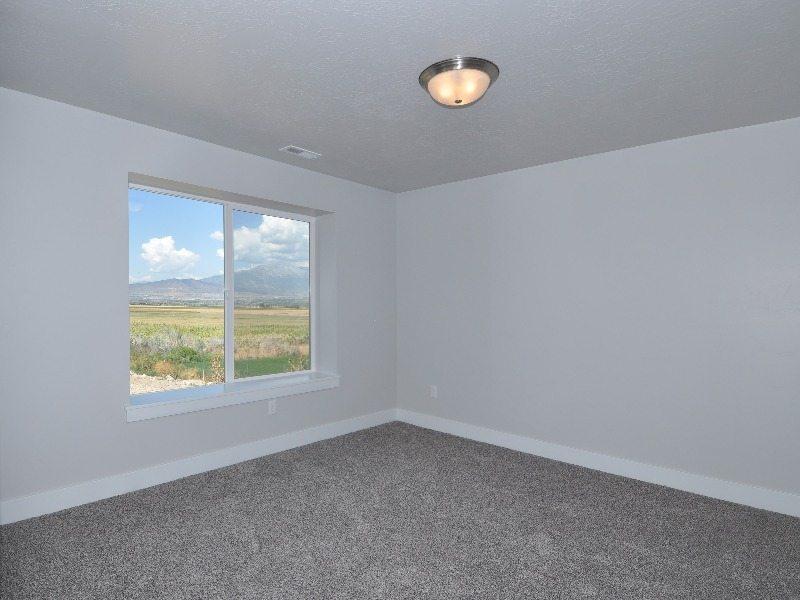 4 downstairs bedroom-min