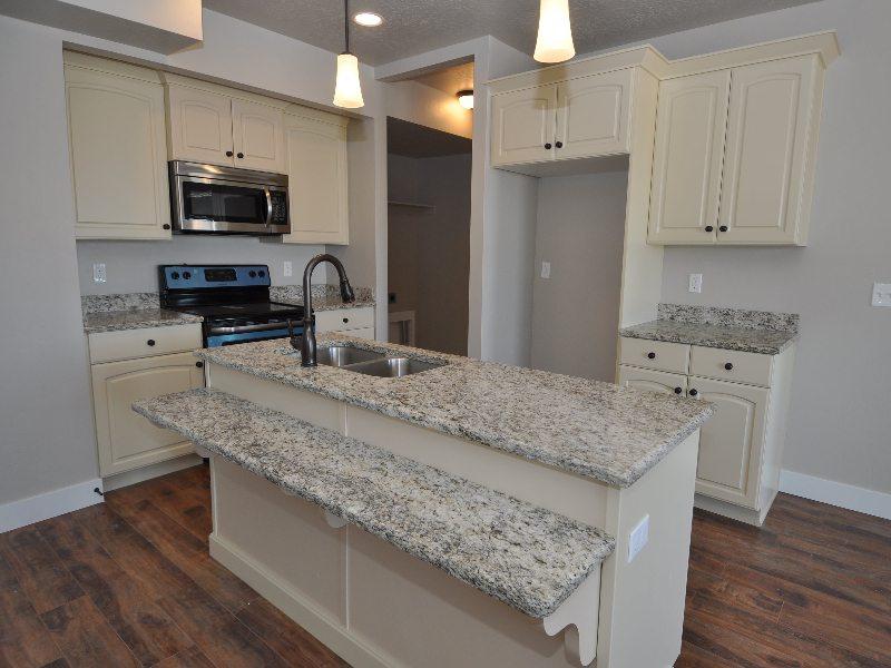 4 downstairs kitchen4-min